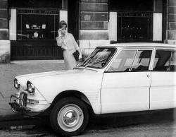 Citroën Ami6 1962, vor Van Cleef et Arpels, Place Vendome, Paris