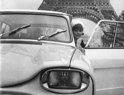 Citroën Ami6 1962, am Eiffelturm, Paris